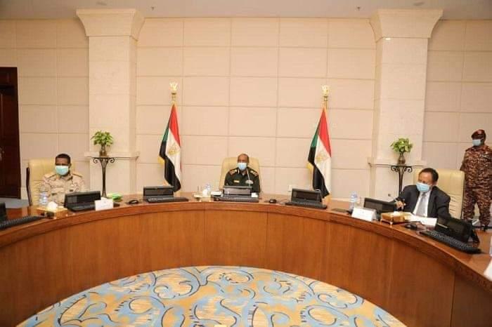 مجلس الأمن والدفاع يثمن دور القوات المسلحة في الزود عن أراضي البلاد