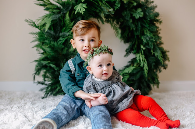Spotted Stills, portland family session, holiday, portland christmas photos, in home session, floral crown, wreath. christmas photos, portland christmas, portland family photographer, portland holiday photos