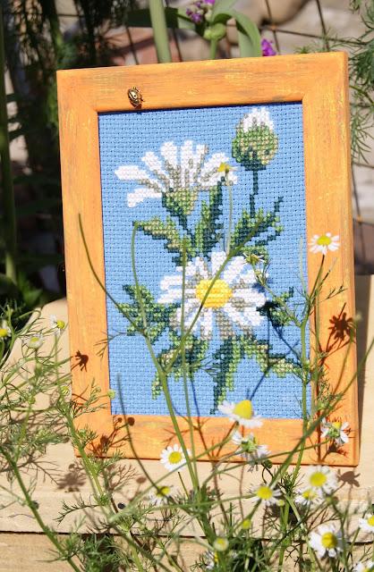 вышивка цветочная, вышивка цветов, вышивка крестиком, ромашка вышитая, вышивка ромашка