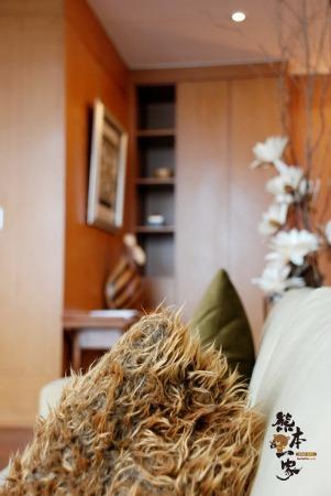 日月潭映涵渡假飯店|合法旅館|南投魚池住宿飯店|面湖景房|嵐舫湖景套房|近日月潭伊達邵碼頭