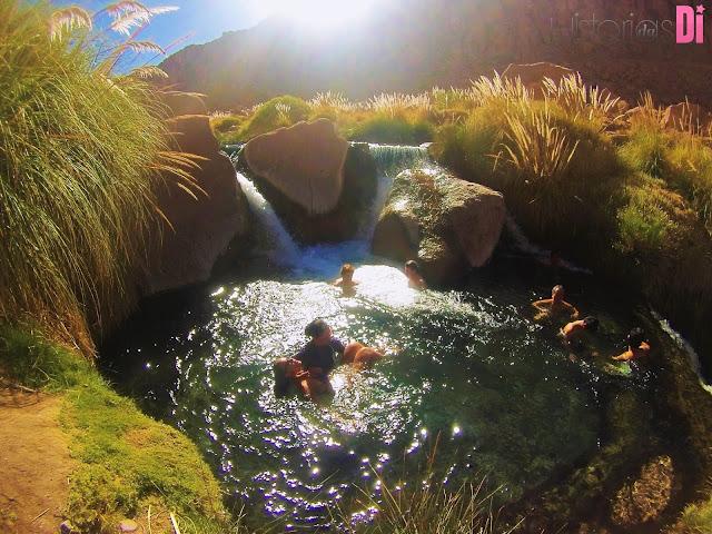 Relaxante massagem nas Termas de Puritama