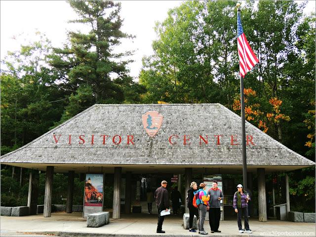 Hulls Cove Visitor Center en el Parque Nacional Acadia, Maine