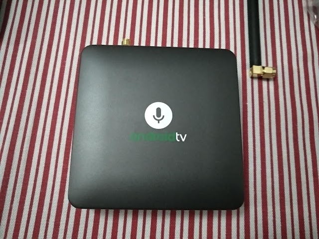MECOOL KM8 Android TV Box