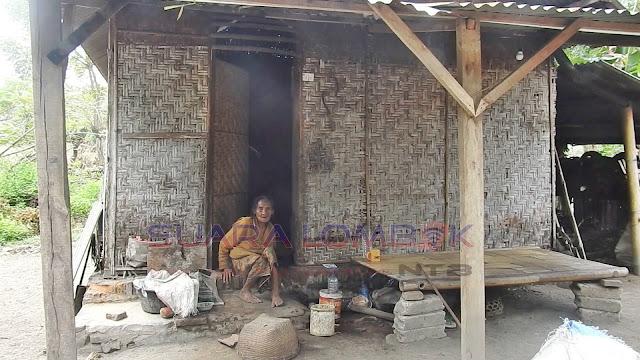 Sisi Lain Gemerlapnya Mataram, Nenek Deris Hidup dari Belas Kasih Tetangga