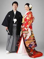 Kimono giymiş erkek ve bayan