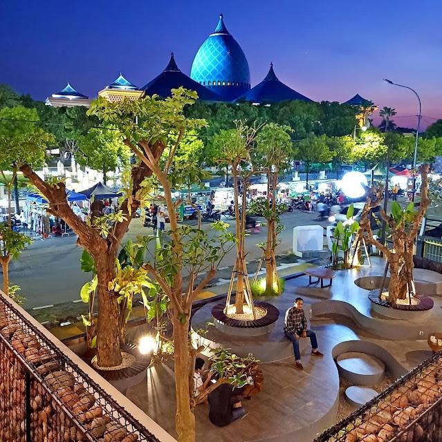 Cafe Hits Dekat Masjid Agung Al Akbar Surabaya