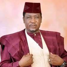 Aminu Alan Waƙa a Fagen Rubutattun Ƙagaggun Labarai na Hausa