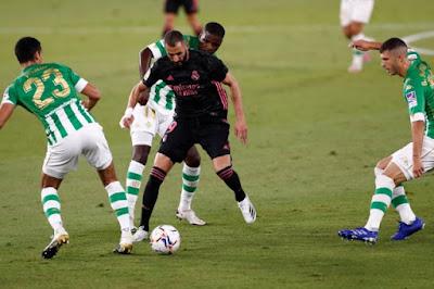 ملخص واهداف مباراة ريال مدريد وريال بيتيس (3-2) الدوري الاسباني