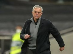 Tottenham should look towards the top four and not down at Arsenal: Mourinho