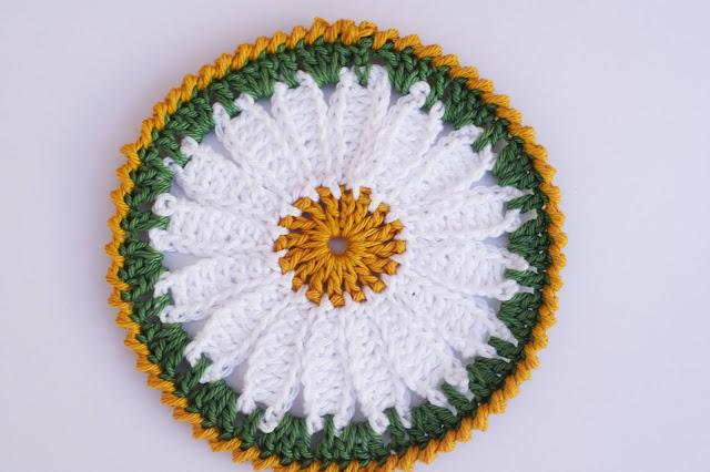 2 - Crochet Imagen Posavasos de margarita a crochet y ganchillo por Majovel Crochet