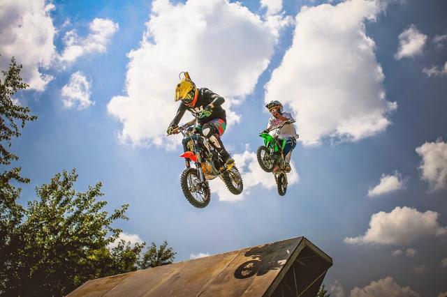dirt_bike_jump