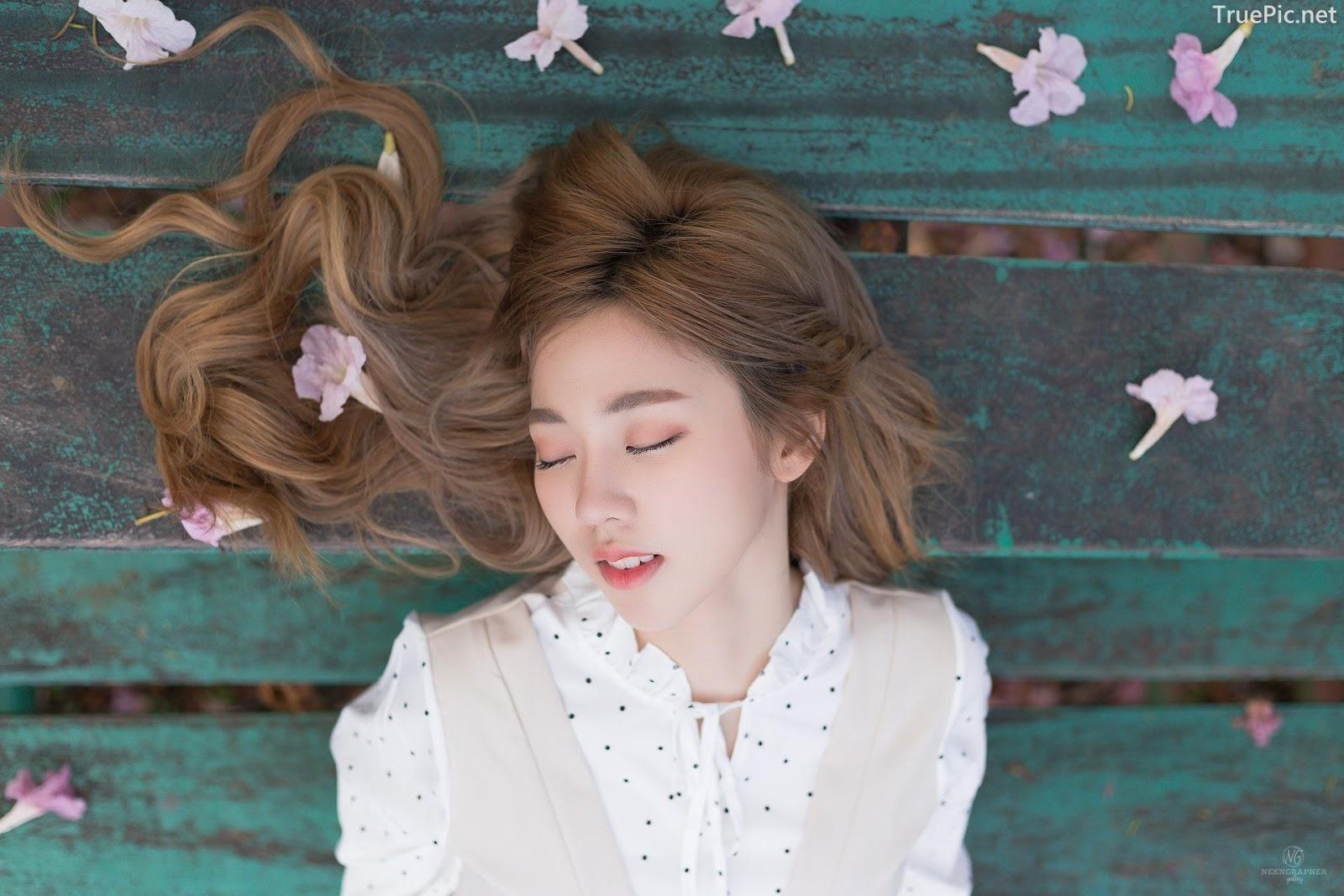 Thailand cute model Nilawan Iamchuasawad - Beautiful girl in the flower field - Photo by จิตรทิวัส จั่นระยับ - Picture 6