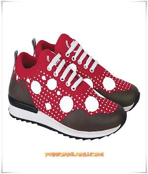 Sepatu Sport Wanita Warna Merah Kombinasi