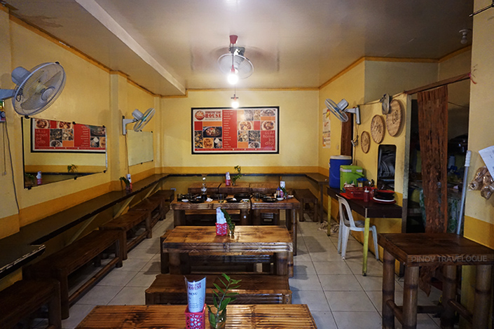 Interiors of Sizzling Lomi House