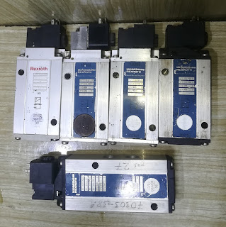 For sale Rexroth 3723512220 3710760300 5711100200  5711000000 324ME Nabtesco 3710750000 (73794256-01) email: idealdieselsn@hotmail.com