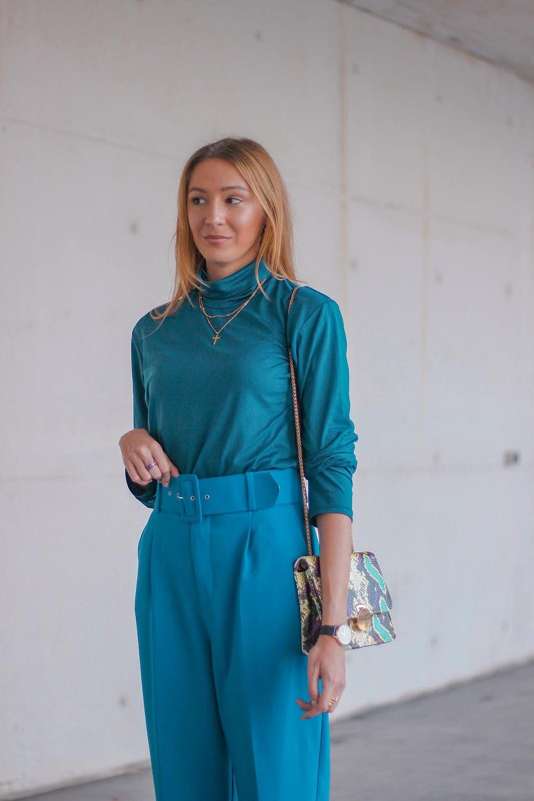 classic-blue-look-zara-pink-neon-stilettos-bershka