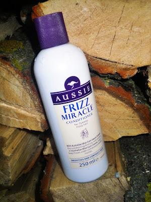 Aussie Frizz Miracle odżywka do włosów z ekstraktem z liści australijskiego eukaliptusa