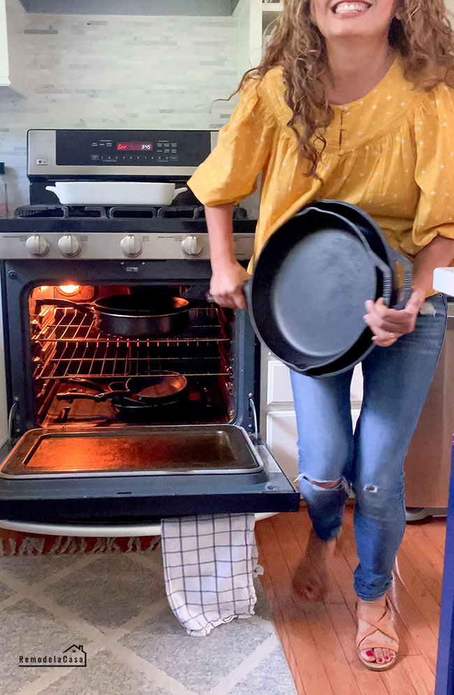 How to organize cast iron pans