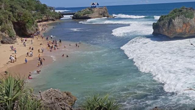 Pantai Ngerawe : Harga Tiket Masuk Lokasi dan Fasilitas 2020, pantai mesra jogja, lokasi pantai mesra