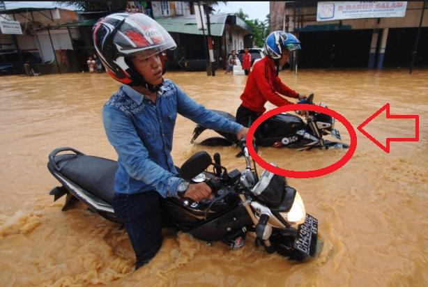 Beginilah Cara Umat Islam Mengatasi Banjir