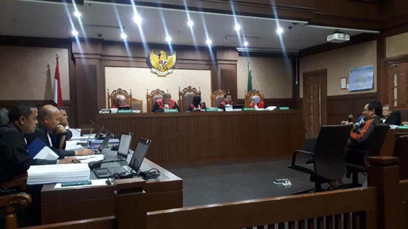 Jaksa Ungkap Istri Rano Karno Terima Rp 150 Juta dan Kode A2 di Sidang Wawan