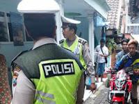 Kabur Dari Razia Polisi, Pengendara Motor Ini Malah Ketiban Sial dan Malu, Kejadiannya Bikin Ngakak