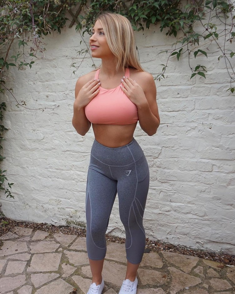 Sophie Aris body motivational