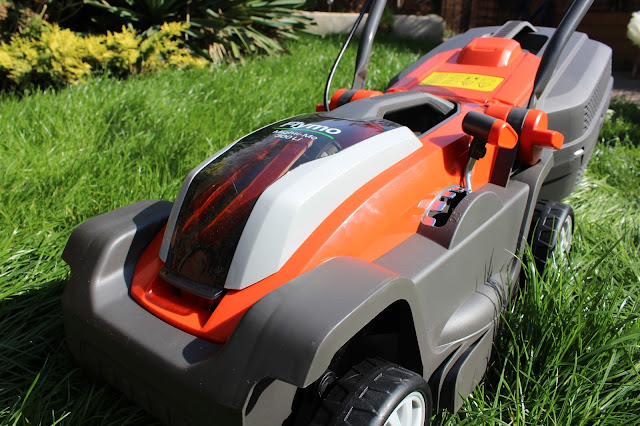 Flymo cordless lawnmower