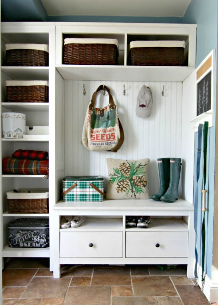 Small mudroom ideas created with Ikea Hemnes bookshelves- Ikea Hack - www.goldenboysandme.com