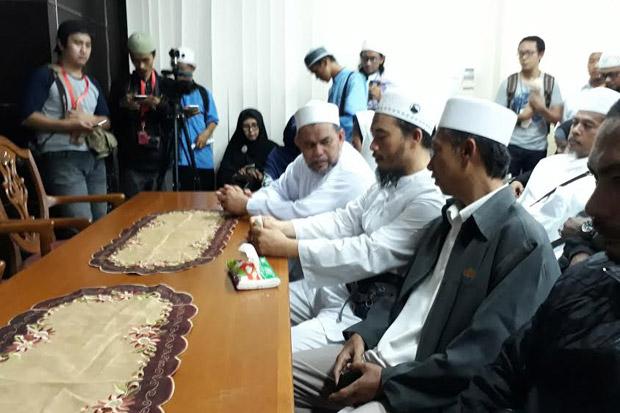 Habib Rizieq Jadi Tersangka, Alumni 212 Sebut Bagai Siram Bensin ke Api