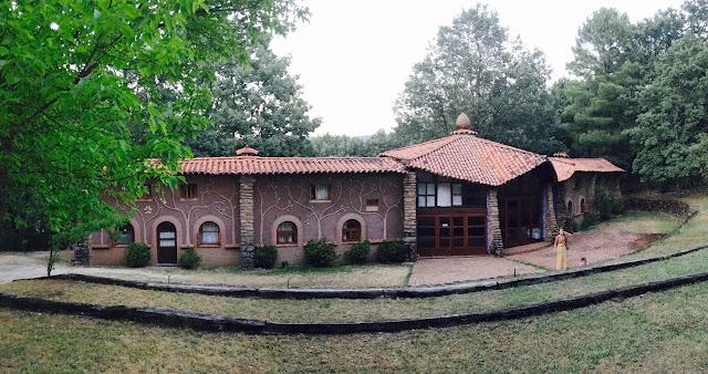 宿泊する建物の写真