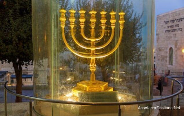 Candelabro de oro para el Tercer Templo