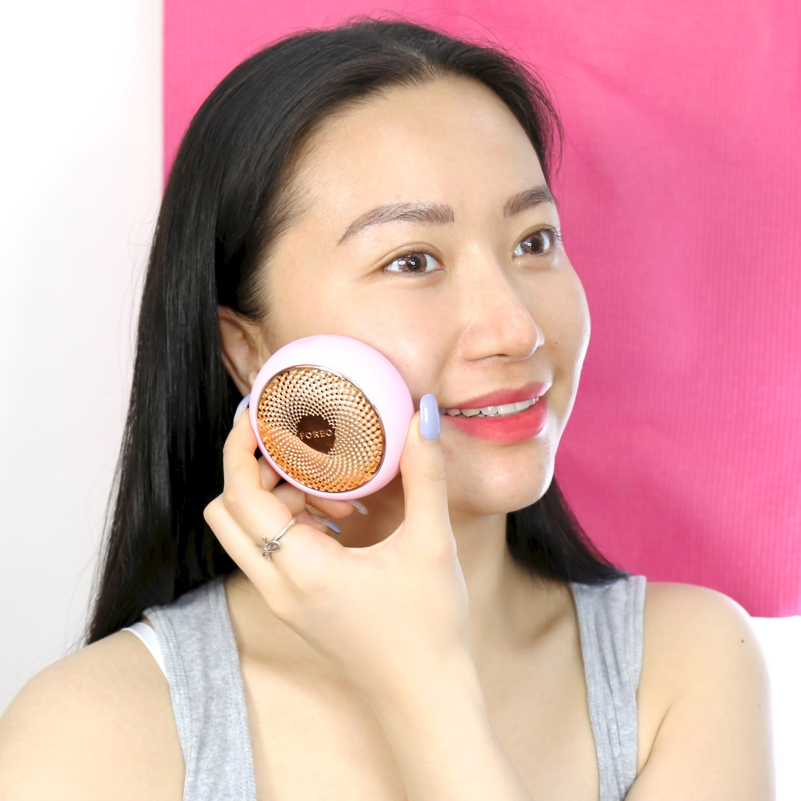 Using FOREO UFO Smart Mask Device in Pearl Pink