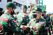 Dari Pelabuhan Makassar, Danbrigif PR 3 Melepas Keberangkatan Tim Aju Satgas Pamtas Mobile Ke Papua
