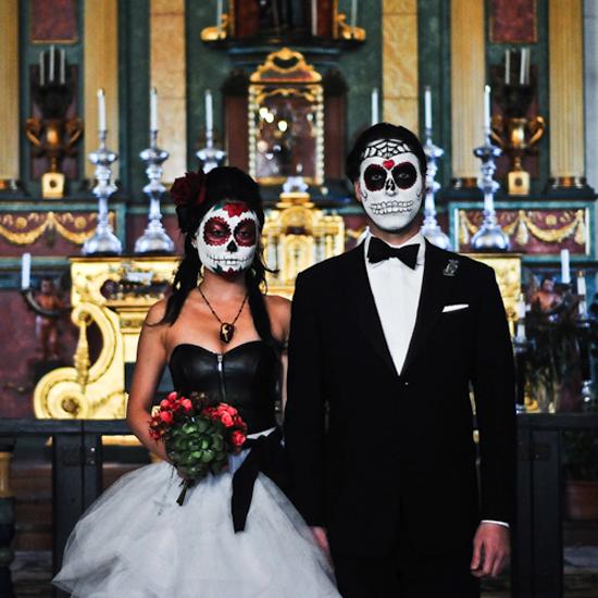 Dia De Los Muertos Wedding Theme Ideas: Castle Manor: Halloween Wedding Inspiration