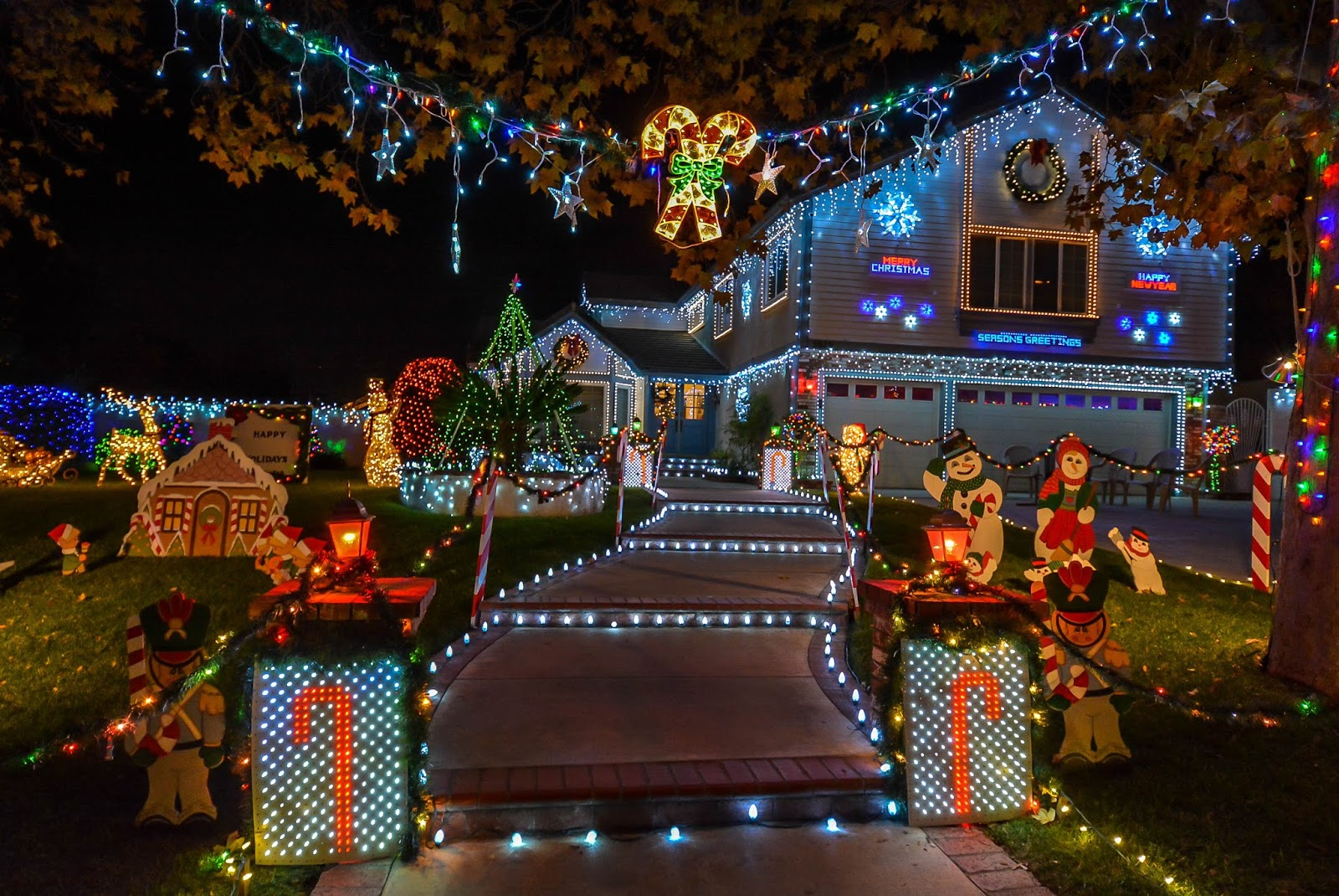 thoroughbred christmas lights 2017 in rancho cucamonga. Black Bedroom Furniture Sets. Home Design Ideas
