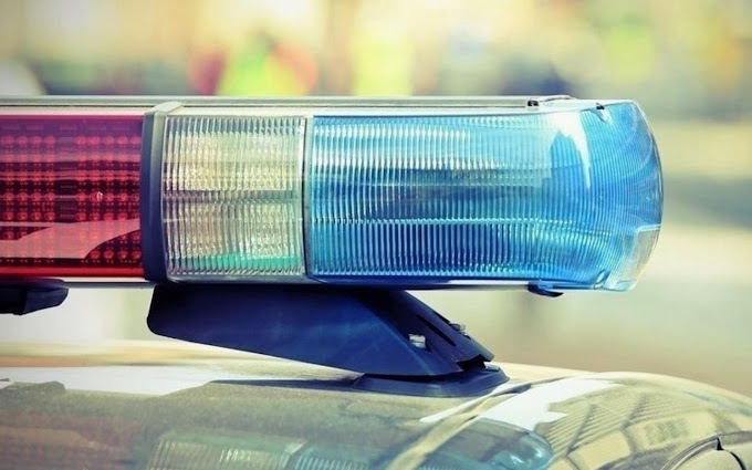 Árokba sodródott egy autó a 33-as főúton Tiszafüred közelében