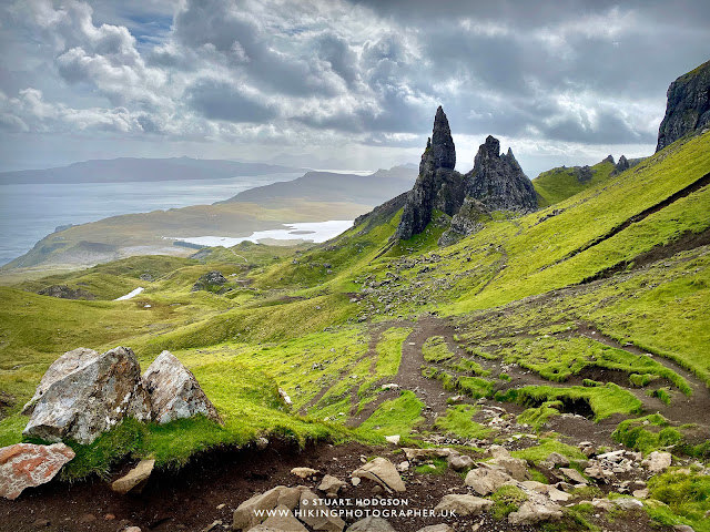 Old Man of Storr walk route map Skye Hike time wanderung store