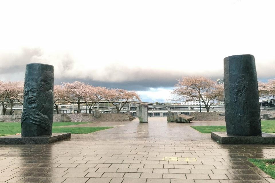 ジャパニーズアメリカン・ヒストリカルプラザ(Japanese American Historical Plaza)