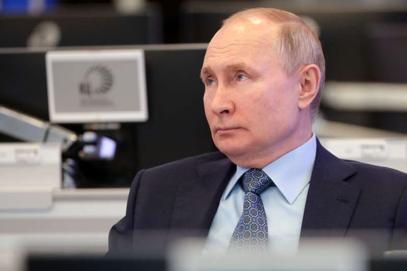 Russian President Putin received a second COVID-19 vaccine shot