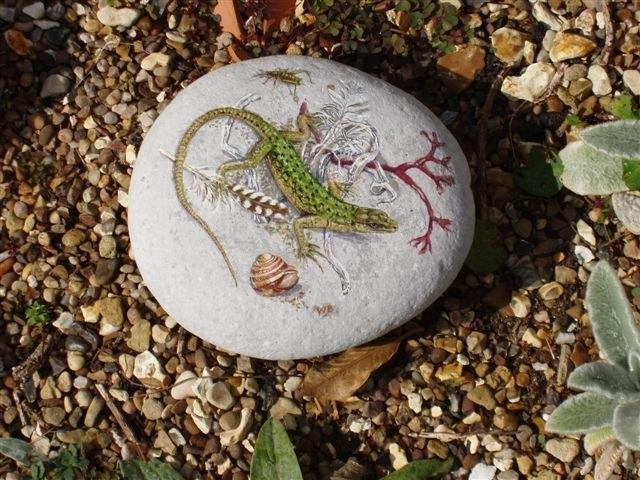 зарипова отмечает, картинка ящерицы на стене из натурального камня место для тех