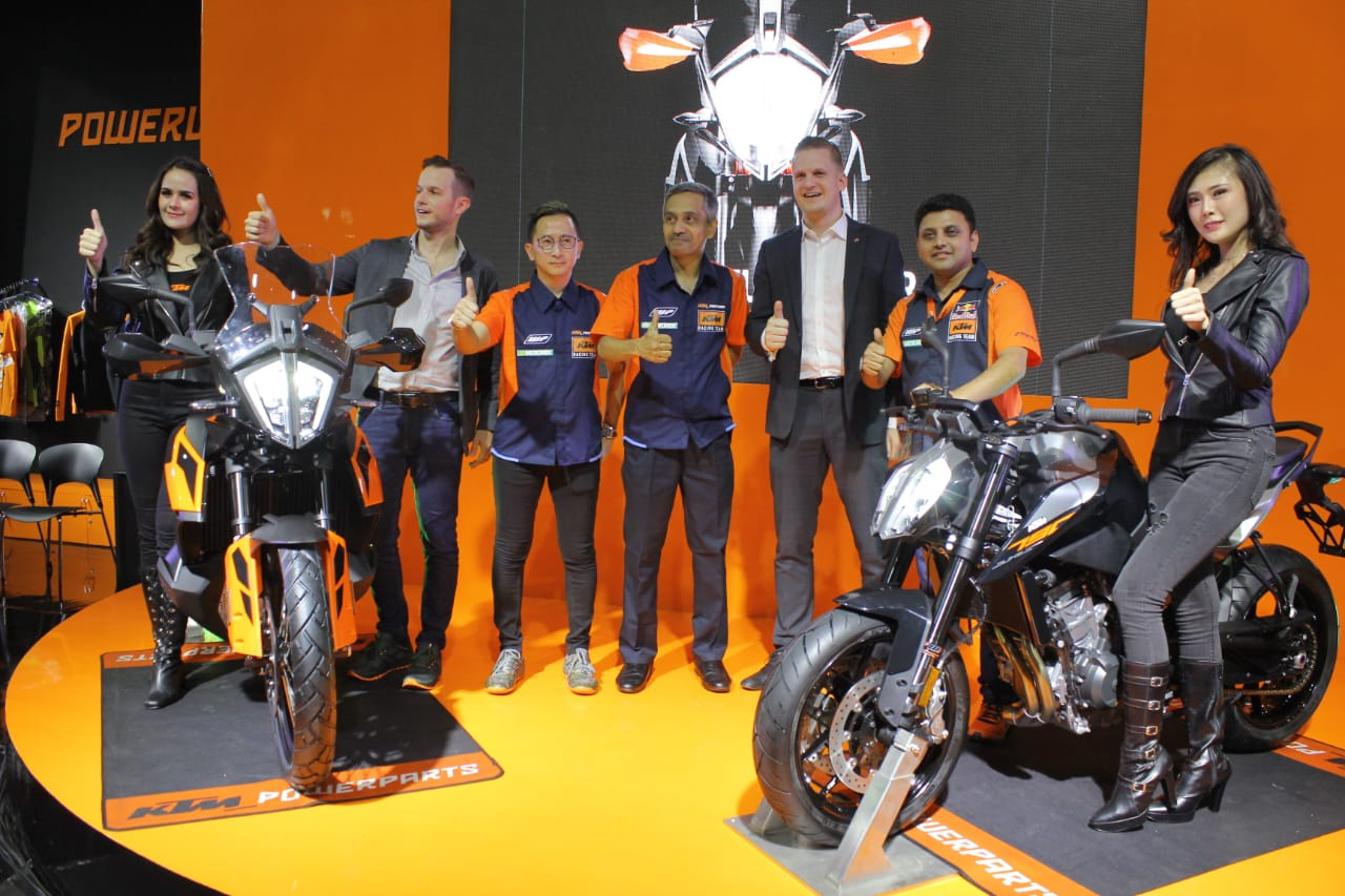 KTM Luncurkan Dua Model Motor Big Bike