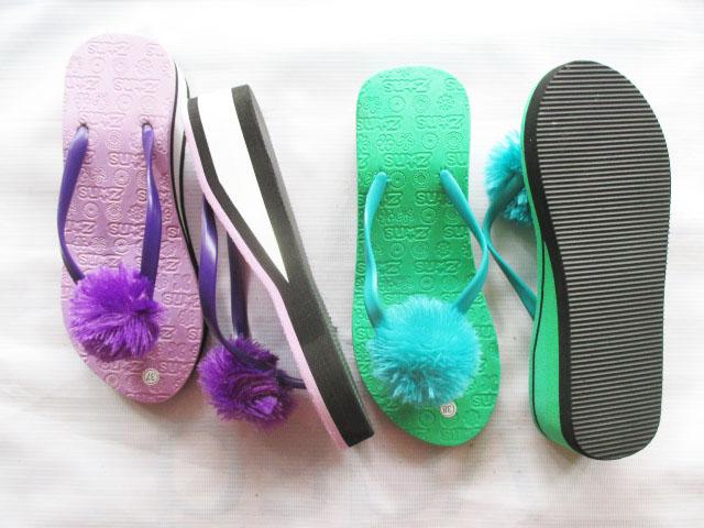 Produk Terbaru Grosir Sandal Jepit | Wedges Pompom Termurah