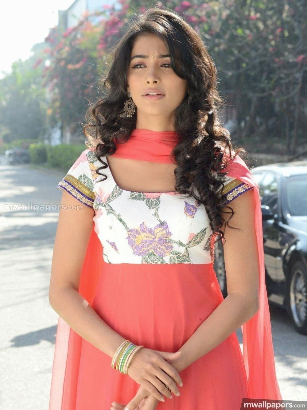 pooja hegde photos download