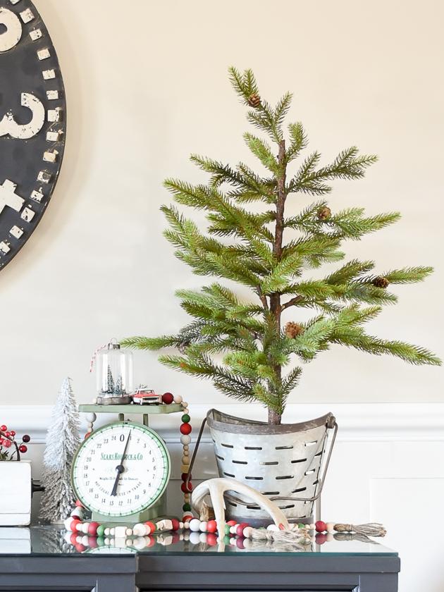Christmas home tour, christmas, modern farmhouse, holiday home , Classic christmas, Christmas tree, pine trees, vintage