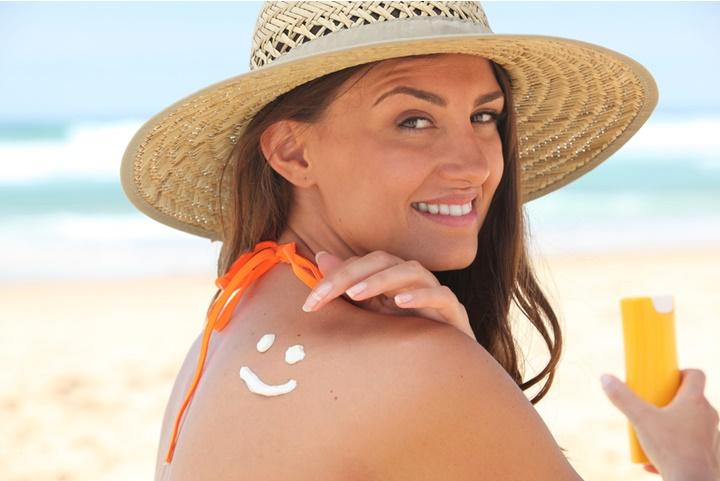 Aprenda a cuidar da sua pele no verão