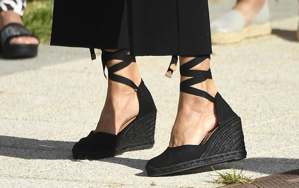 Queen Letizia wore a plaid belted top from Zara and Letizia wore Castaner black Carina ankle tie wedge, and black Hugo Boss cropped wide leg trousers