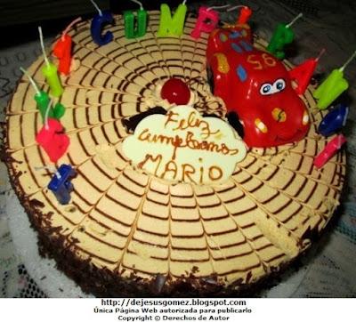 Foto de Torta de Lúcuma con chocolate para niño con auto cars de dibujo animado. Foto de torta de Jesus Gómez