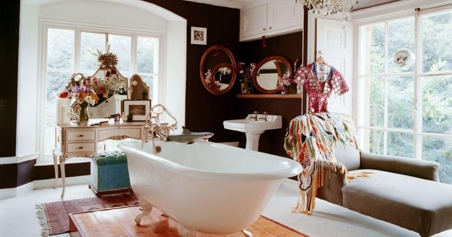 dekobook une coiffeuse dans ma salle de bain. Black Bedroom Furniture Sets. Home Design Ideas