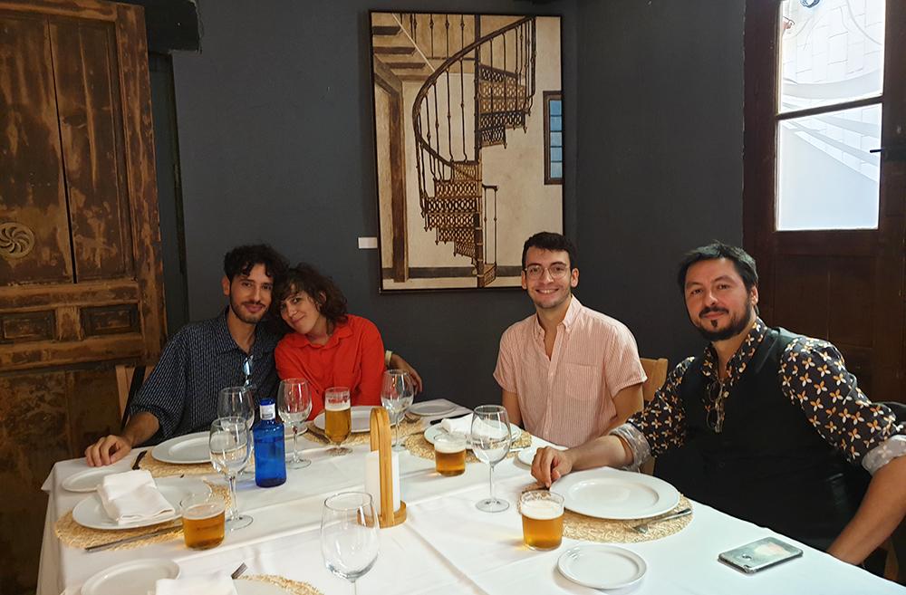 Àngelo Néstore, Violeta Niebla, Carlos Catena y Antonio Lucas en el almuerzo posterior a la lectura